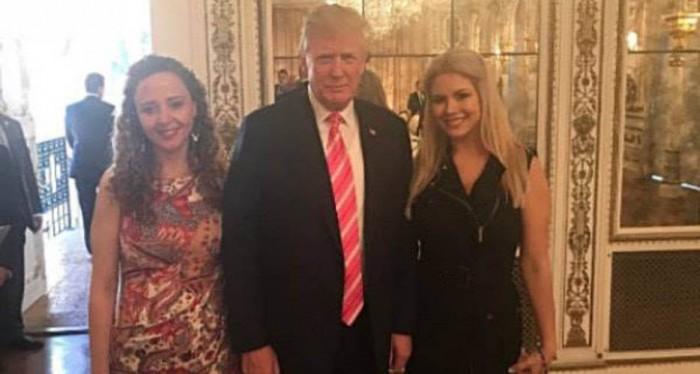 الطبيبة السورية الأميركية ريم البزم مع الرئيس ترامب